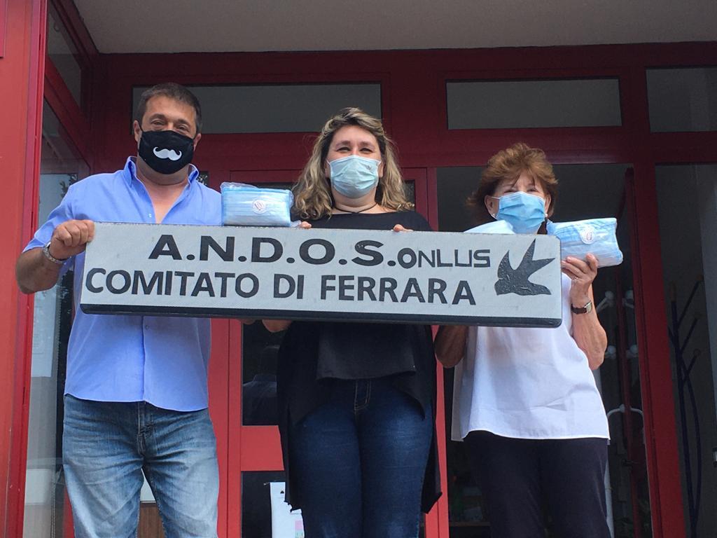 La donazione di 400 mascherine ad Andos Ferrara